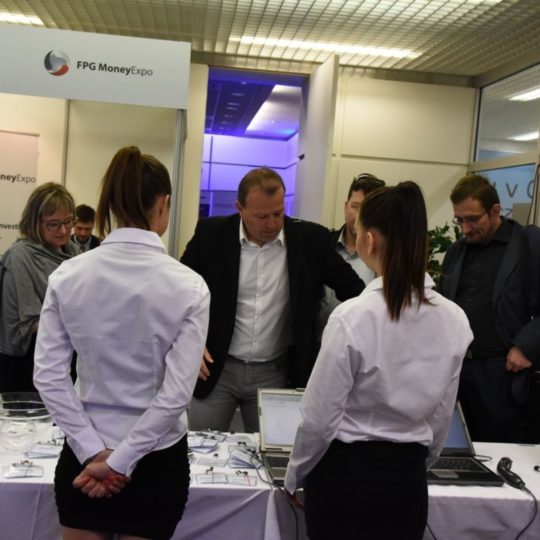http://profi.money-expo.cz/wp-content/uploads/2015/12/m1-540x540.jpg